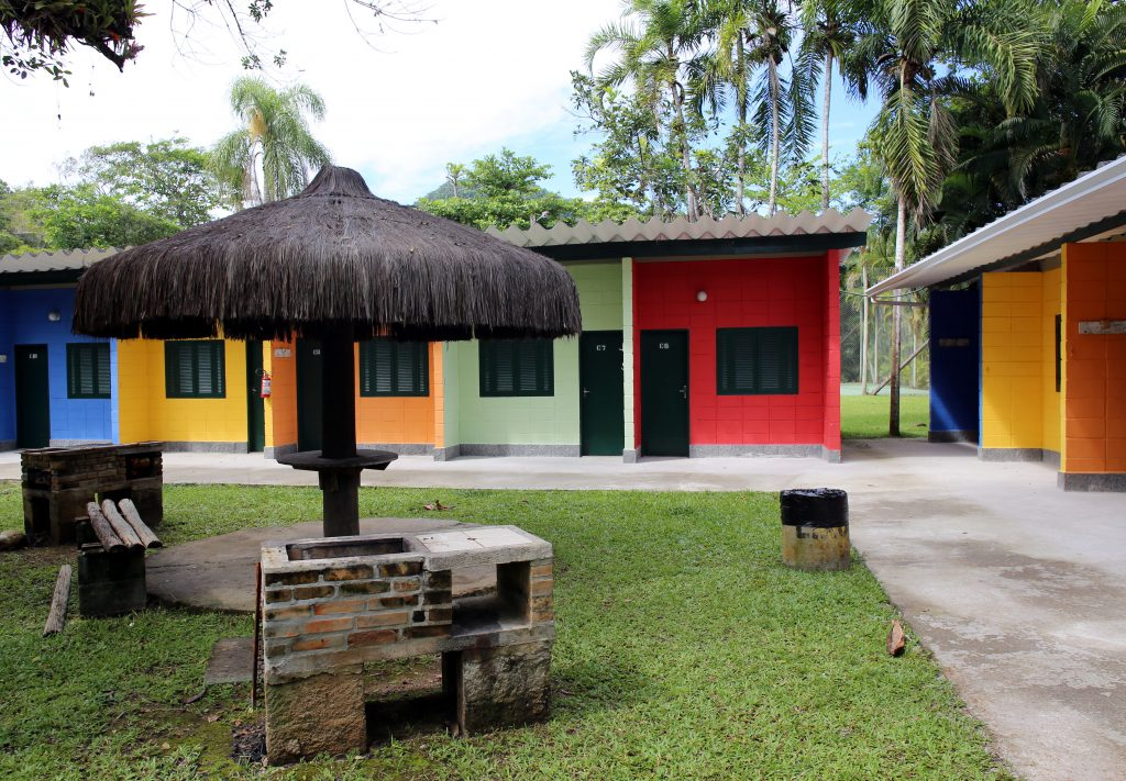 Hostel na área do camping Itamambuca Eco Resort. Foto: Claudio Vitor Vaz